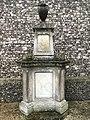 Wilson Monument, Rickmansworth.jpg