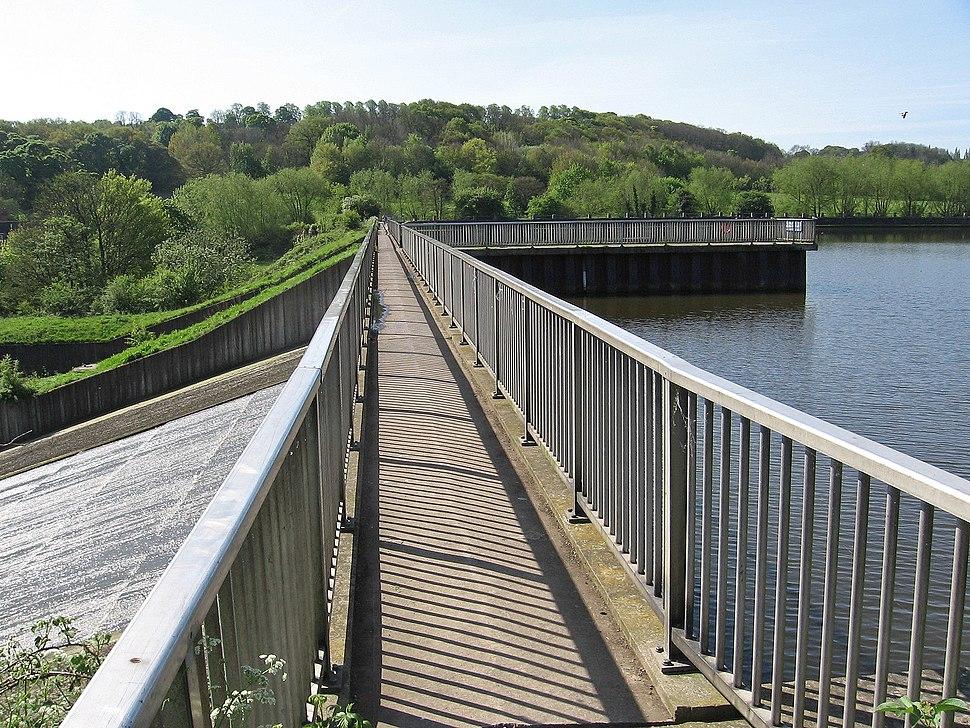 Worsbrough - footbridge over reservoir spillway