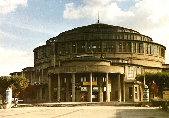 http://upload.wikimedia.org/wikipedia/commons/thumb/8/8a/Wroclaw_hala_ludowa6.jpg/640px-Wroclaw_hala_ludowa6.jpg