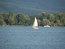 Provincia di Komárom-Esztergom-Struttura della provincia-Yacht in Öreg-tó Tata