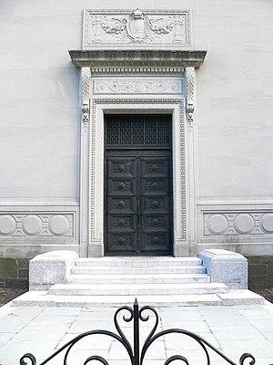Berzelius (secret society) - Classically symmetrical front approach.