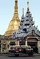 Yangon-Sule-04-1976-Bus-gje.jpg