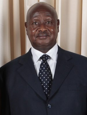 English: Yoweri Kaguta Museveni.