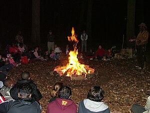 English: Bonfire at the Yule Log