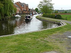 Zouch canal and Barge - geograph.org.uk - 1292132.jpg