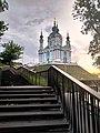 Андріївська церква в променях м'якого світла.jpg