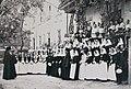 Архиепископ Херсонский и Одесский Иустин благословляет отряд сестер милосердия и санитаров на работу на плавучем госпитале «Ца.jpg