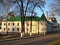 Борисо-Глебский монастырь. Здание Духовного правления и юго-западная башня..jpg