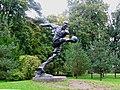 Памятник Всеволоду Боброву в Сестрорецке, где прошли его детство и юность. - panoramio.jpg