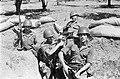 Советские воины-зенитчики вместе с сирийскими боевыми товарищами.jpg