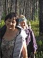 Трудный день позади Зырянова Светлана Юрьевна старший преподаватель со студентами возвращаются в археологический лагерь.jpg