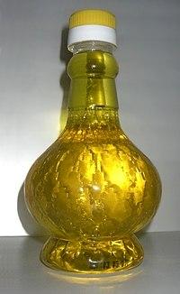 Фигурная бутылка с подсолнечным маслом.jpg
