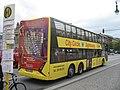 Экскурсионный автобус на Унтер ден Линден - panoramio.jpg