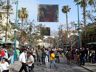 A busy day on Third Street Promenade in Santa Monica, California; the south end is the entrance to Frank Gehry's Santa Monica Place. 052607-008-3StP-facing-SMP.jpg