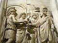 0 Monument honoraire d'Hadrien - L'empereur accueilli par la déesse Rome (2).JPG
