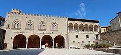 1-Corte e Palazzo Malatesta - Fano (PU).jpg