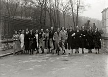 Staff of the Cigar Factory (Tabakalera) in front of the facilities, Donostia-San Sebastián, Basque Country (1936)