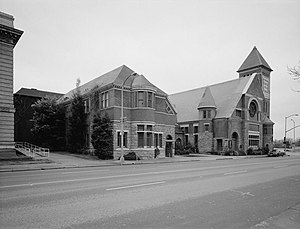 First Unitarian Church of Oakland - View of the church facade, facing southwest