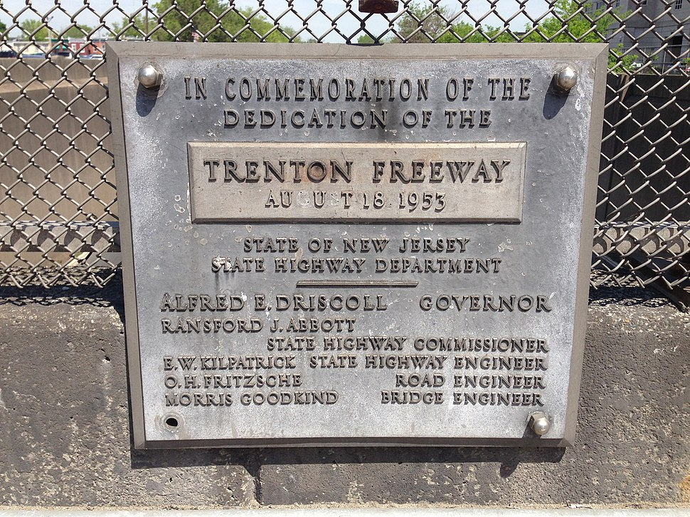 2014-05-12 11 31 01 Dedication plaque for the Trenton Freeway (U.S. Route 1) on the East State Street overpass in Trenton, New Jersey
