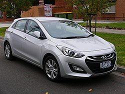 2014 Hyundai i30 (GD2 MY14) Trophy 5-door hatchback (2015-05-29) 01.jpg
