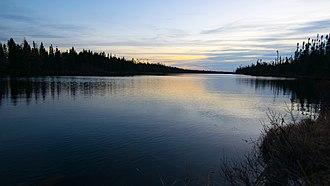 Lac-Ashuapmushuan, Quebec - Image: 2016 11 Réserve faunique Ashuapmushuan Lac Perron