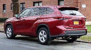 2020 Toyota Highlander LE AWD, rear 12.12.20
