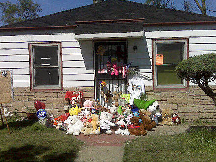 Michael Jackson's childhood home in Gary, Indiana, shortly after the singer's death in 2009 2300 Jackson Street.jpg