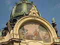 386 Obecní Dům (Casa Municipal), mosaic i cúpula.jpg