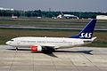 407cz - Scandinavian Airlines Boeing 737-700, LN-RPK@TXL,07.05.2006 - Flickr - Aero Icarus.jpg