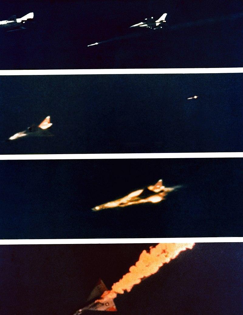 المسابقه الرمضانيه : الصاروخ الامريكي AIM-120 AMRAAM 800px-AIM-120_first_kill