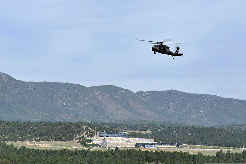 File:A U.S. Army UH-60 Black Hawk helicopter with the Colorado Army National Guard approaches a refueling point during firefighting efforts near Colorado Springs, Colo., June 12, 2013 130612-F-JM997-907.jpg