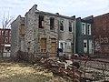Abandoned rowhouse (32089771593).jpg