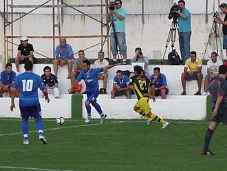 Abel Gómez Moreno - Abel (center) in action for Xerez