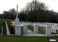 Acheux-en-Amiénois cimetière militaire 1a.jpg