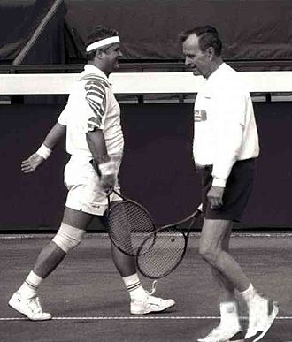 Adrian Năstase - Năstase playing tennis with the former U.S. President George H. W. Bush in Bucharest in 1995