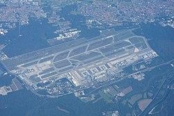 Aerial photograph of Milan Malpensa airport.jpg