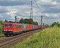 Ahlten DB 155 423-3 met containertrein (14653066812).jpg