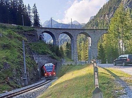Train going downhill on the line Preda–Bergün of the Albula Railway