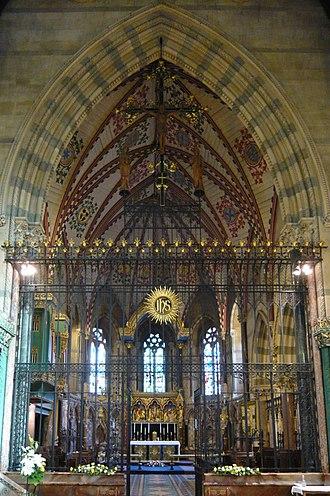 All Saints' Church, Cheltenham - Image: All Saints' Cheltenham Altar