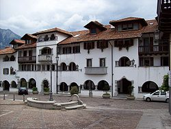 Amaro(UD)Piazza.jpg