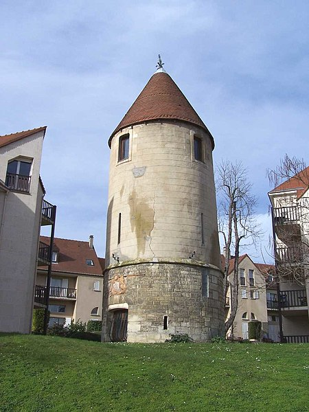 Tower in Andrésy (Yvelines, France)