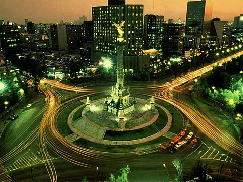 The Paseo de la Reforma with Angel of Independence monument. Angel de la Independencia Mexico City.jpg