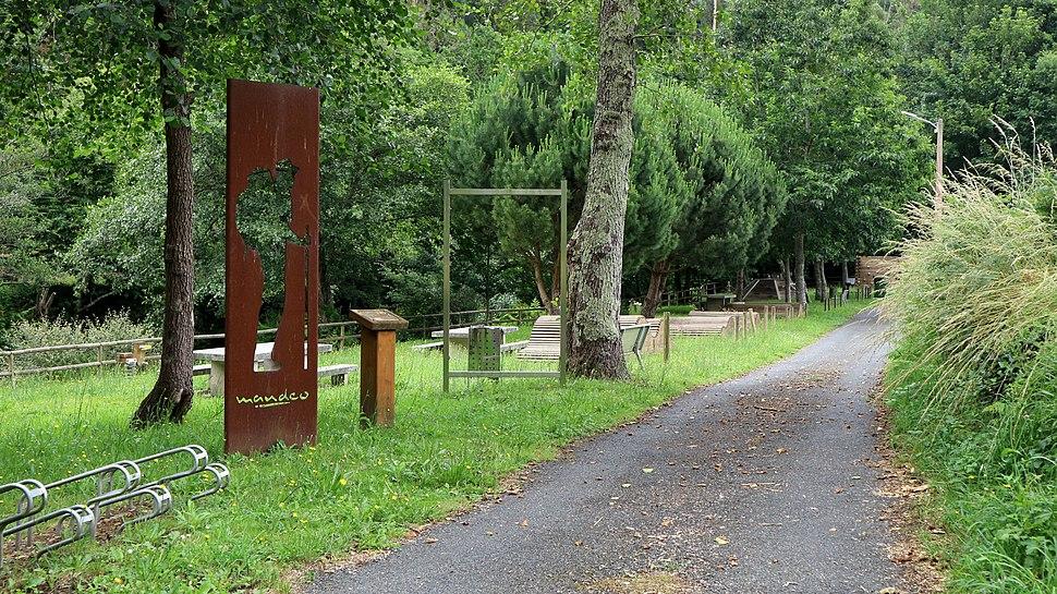Aranga Ponte de Aranga paseo 1