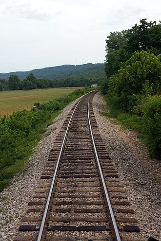 Transportation in Arkansas - Looking down the tracks of the Arkansas and Missouri Railroad in Washington County