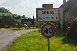 The road into Arnay-sous-Vitteaux