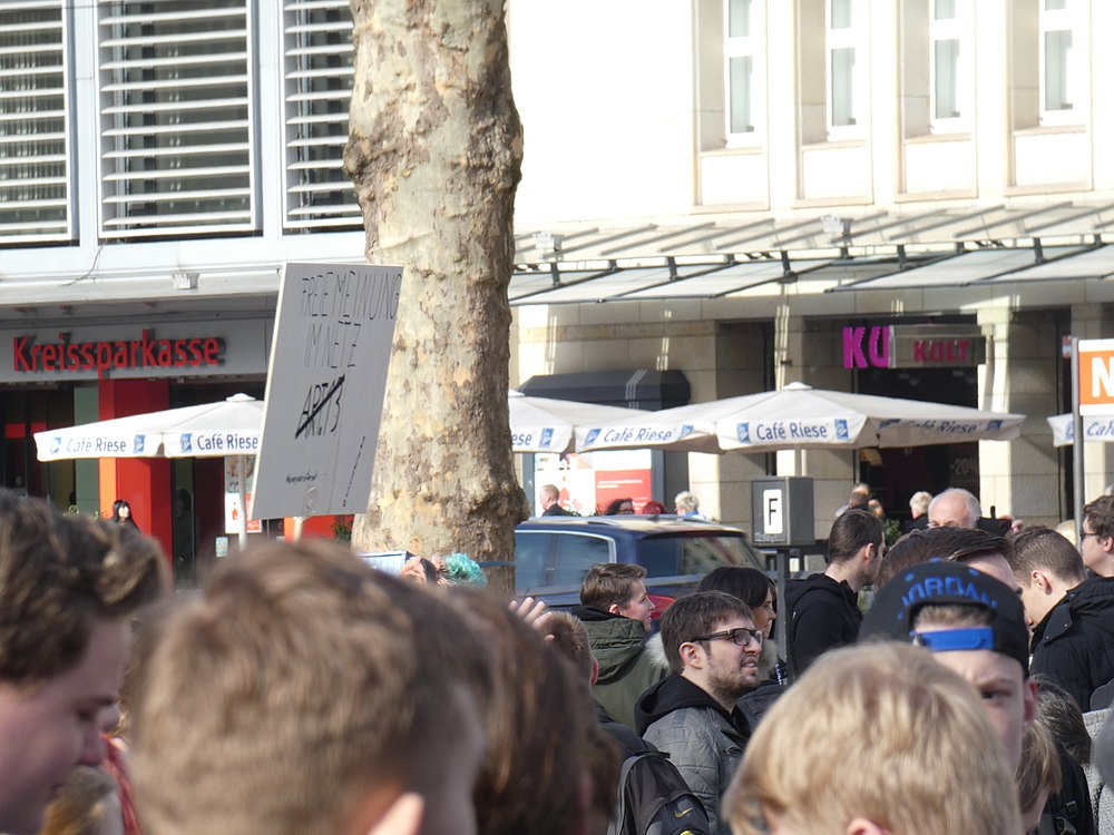 Artikel 13 Demonstration Köln 2019-02-23 010.jpg