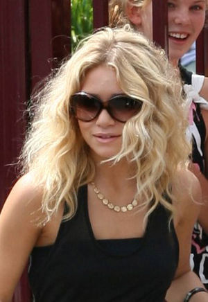 Ashley Olsen - Olsen at Luna Park Sydney, Australia, in 2006
