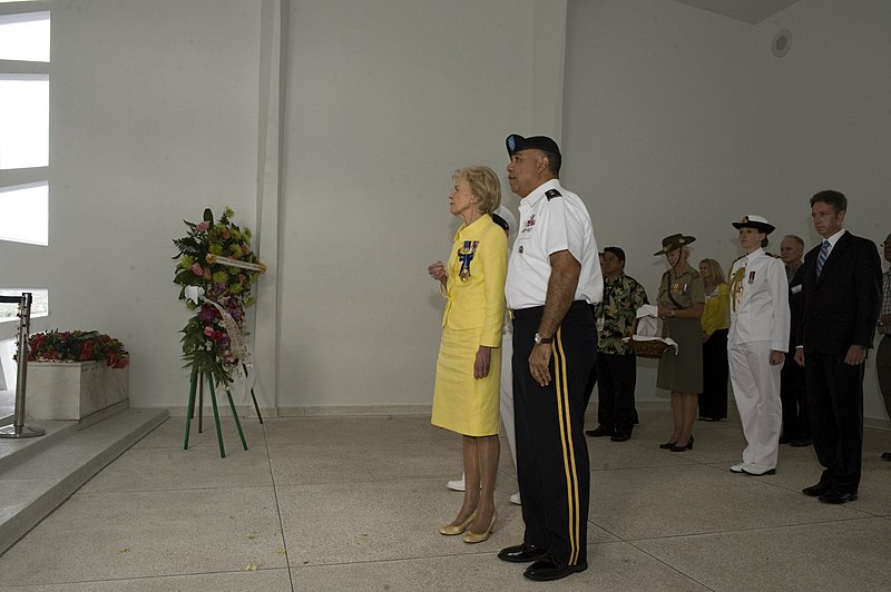 File:Australia governor-general at USS Arizona 130401-N-JZ251-327.jpg