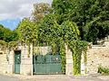 Auvers-sur-Oise (95), propriété 46 rue du Montcel, grille.jpg