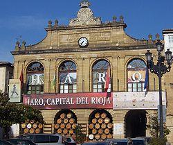 http://upload.wikimedia.org/wikipedia/commons/thumb/8/8b/Ayuntamiento_en_Fiestas_-_Haro_-_La_Rioja.jpg/250px-Ayuntamiento_en_Fiestas_-_Haro_-_La_Rioja.jpg